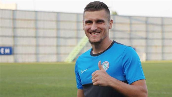 Çaykur Rizesporlu futbolcu Emir Dilaver: Umarım uzun yıllar Türkiye'de kalırım