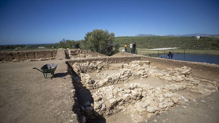 Patara'da 2 bin 400 yıllık 'mutfak' ve 'kadın odası' bulundu