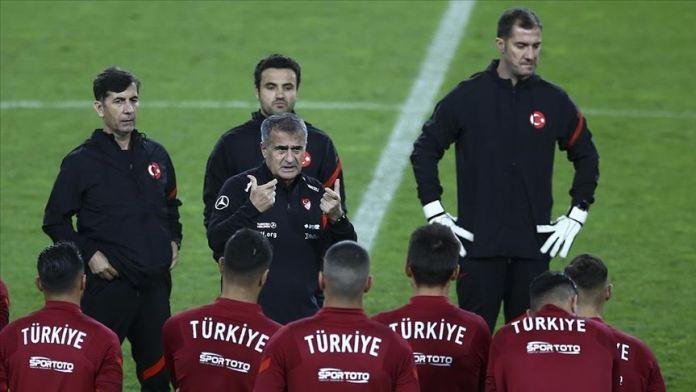 A Milli Futbol Takımı Teknik Direktörü Güneş:  Almanya ile oynayacağımız hazırlık karşılaşmasını önemsiyoruz