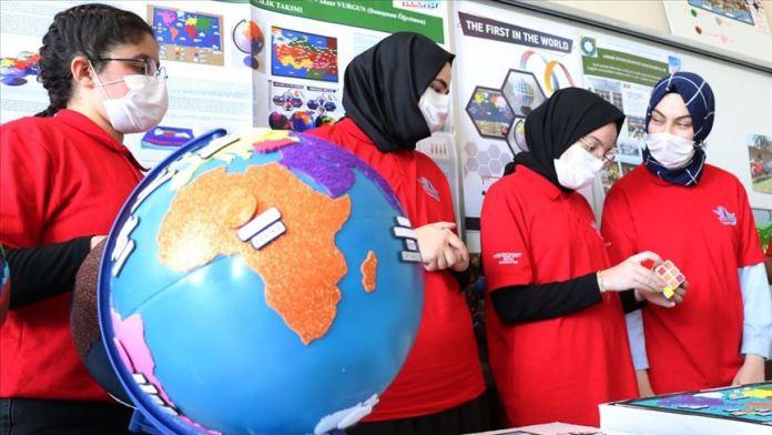 Sesli haritayla Afrika'ya uzanan lise öğrencilerine TEKNOFEST ödülü