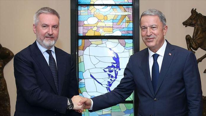 Milli Savunma Bakanı Akar İtalya'da mevkidaşı Guerini ile görüştü