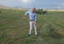 Ankaralı öğretmen 'ikinci memleketi' gibi gördüğü İran sınırındaki köye yerleşti