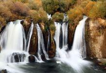 Muradiye Şelalesi sonbahar renkleriyle büyülüyor