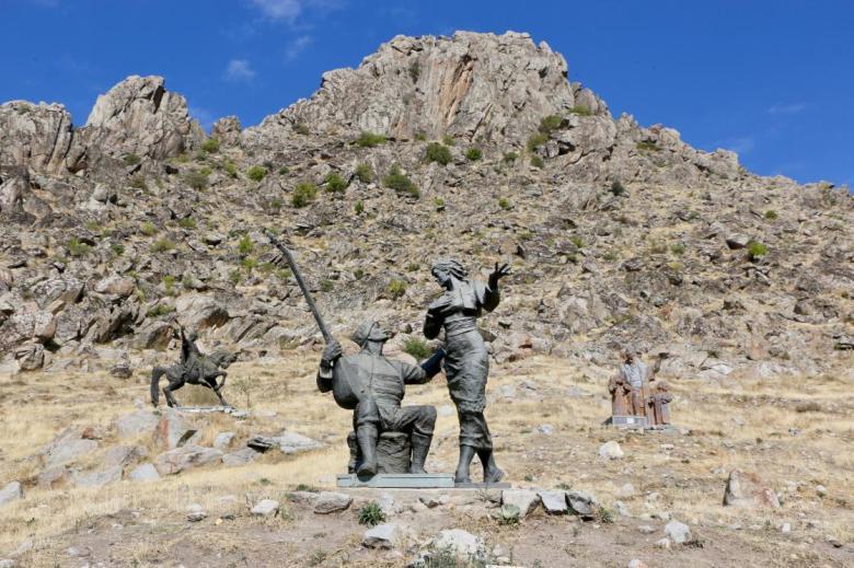 1603817515 858 kayaliklarin yamacindaki heykel muzesi ilgi cekiyor