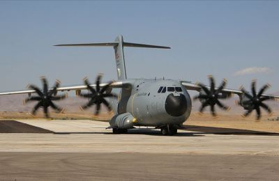 Hava Kuvvetleri 9 uçakla kurtarma ekipleri ile teçhizat ve ihtiyaç duyulan araçları İzmir'e ulaştırdı