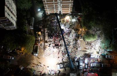 İzmir'deki depremde hayatını kaybedenlerin sayısı 69'a yükseldi