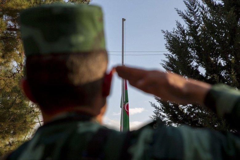 1604863625 246 ermenistan isgalinden kurtarilan azerbaycanin zengilan kentindeki karakollara bayrak cekildi