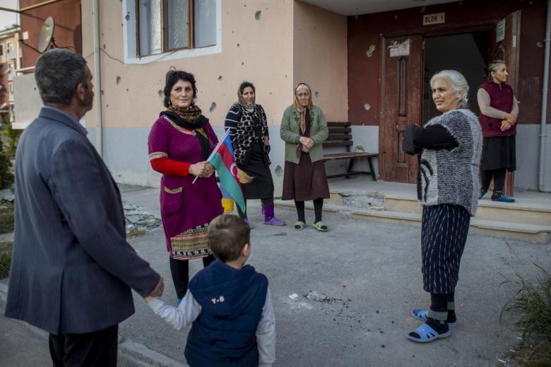 1605017545 37 azerbaycanin terter kentinde gunlerdir siginakta kalanlar evlerine donuyor