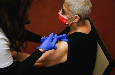 İsrail'de Kovid-19 aşısının ikinci dozu yapılan 128 bin kişiden yalnızca 20'sine virüs bulaştı