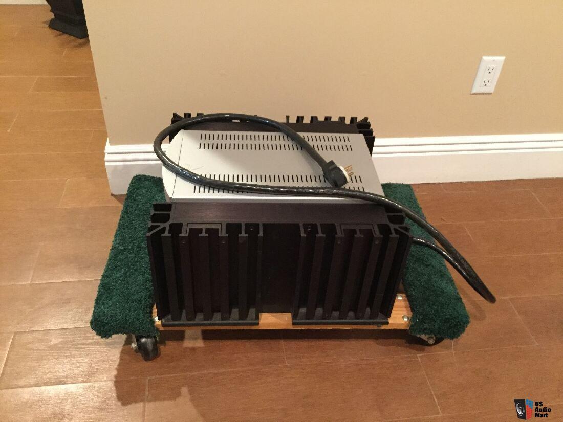 Parasound 2125 Two Channel Power Amplifier Amplifiers