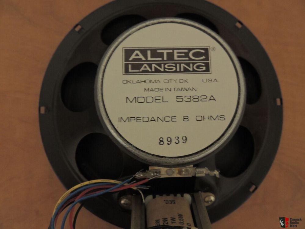 medium resolution of qty of 2 vintage altec lansing model 5382a 8