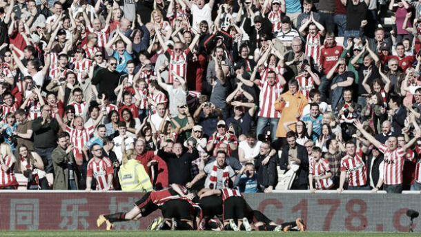 Sunderland 1-0 Newcastle: Defoe's fantastic screamer settles Tyne-Wear derby