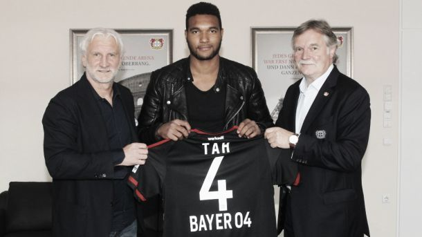 Zagueiro alemão Jonathan Tah é novo reforço do Bayer Leverkusen por cinco temporadas