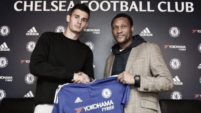 Chelsea complete £3.5m signing of Red Bulls defender Matt Miazga