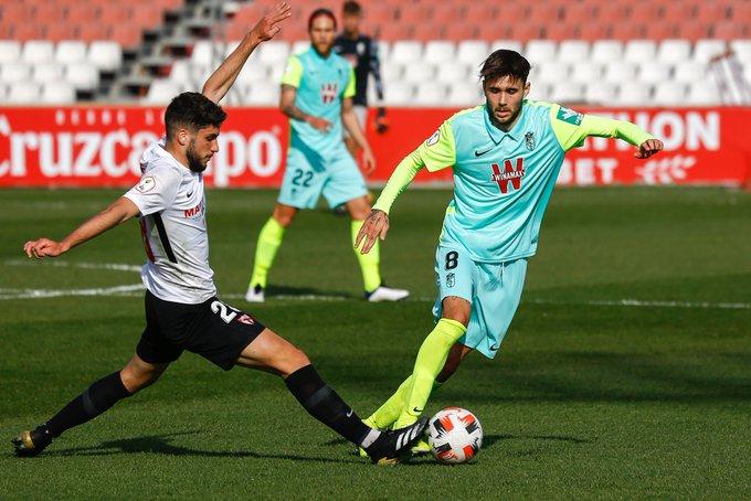 El Recreativo Granada se ve superado por el Sevilla Atlético - VAVEL España