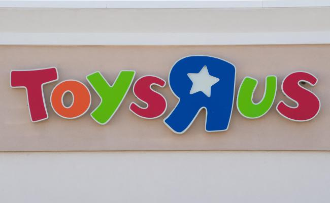 Toys R Us Says Canadian Stores To Stay Open As U S U K