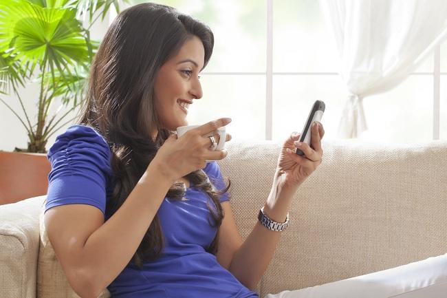 குடும்பத் தலைவிகள் செய்யவே கூடாத 8 தவறுகள்! Shutterstock277961735
