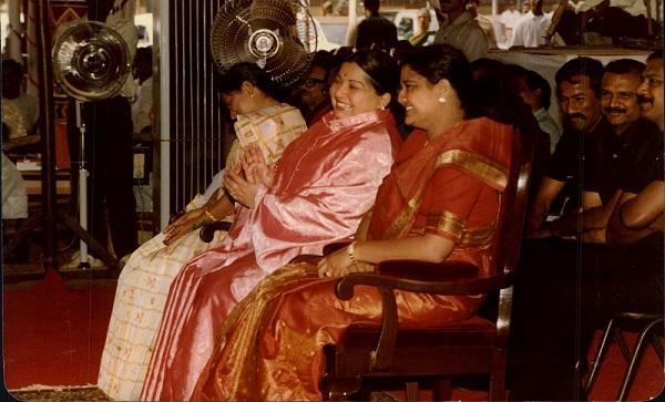 அமைச்சர் இந்திரகுமாரி, ஜெயலலிதா, சசிகலா