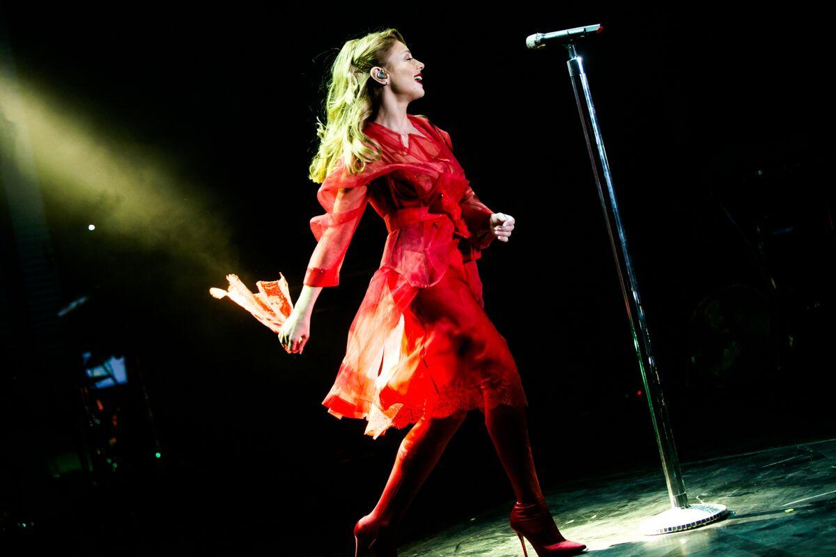Выступление Тины Кароль В Голубом Платье