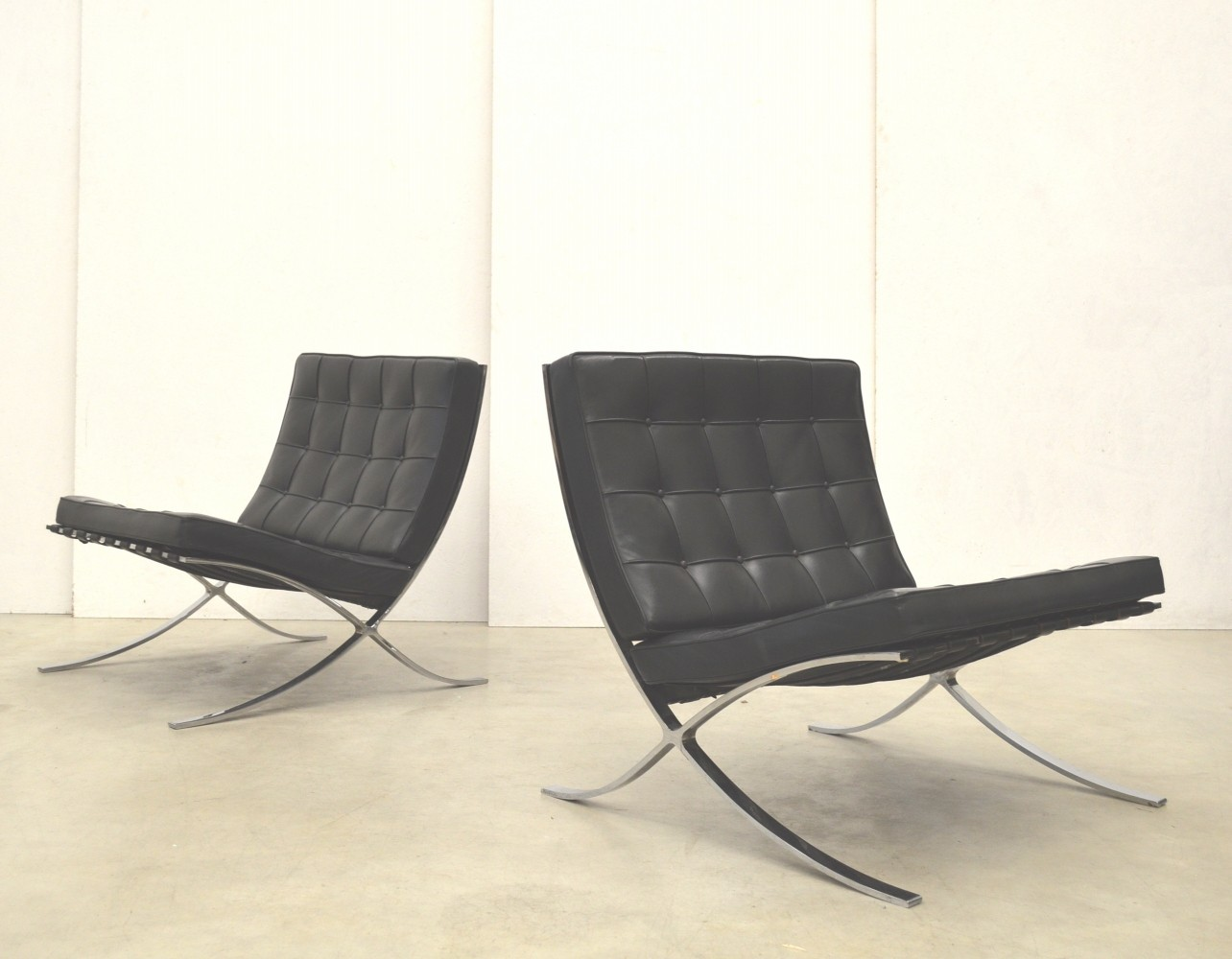 Barcelona Lounge Chair Pair Of Barcelona Lounge Chairs By Ludwig Mies Van Der
