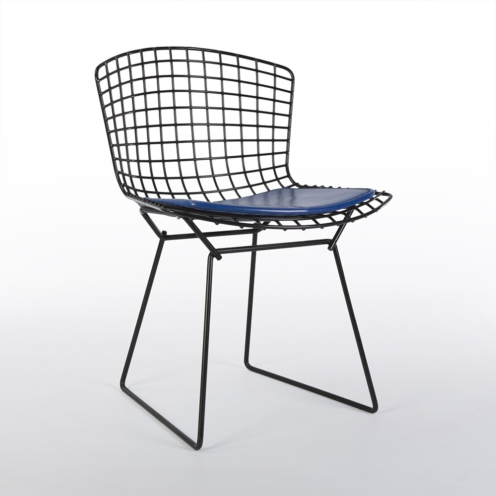 bertoia wire chair original leather nailhead dining chairs knoll black harry side with blue cushion