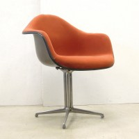 La Fonda dinner chair by Charles & Ray Eames for Herman ...