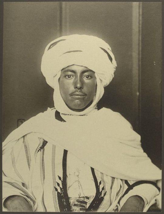 An Algerian man. Portraits from Ellis Island, Augustus Sherman.