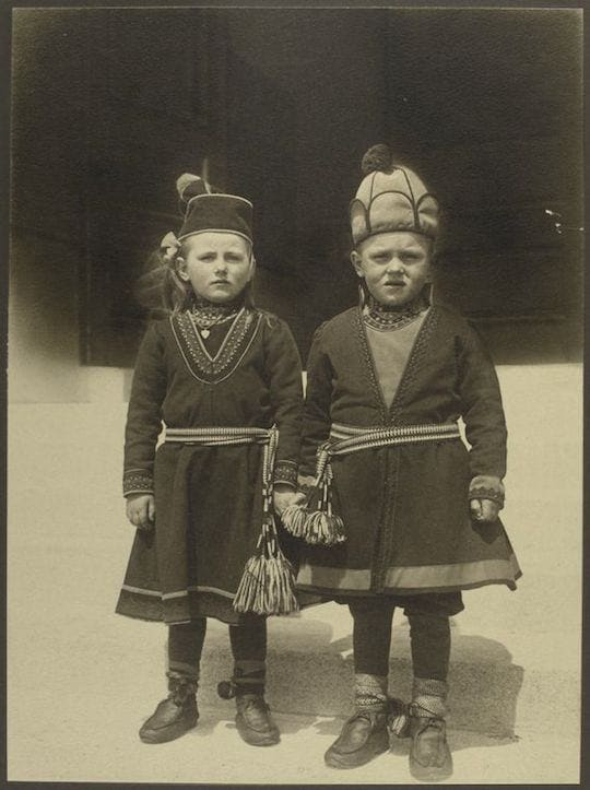Children from Lapland. Portraits from Ellis Island, Augustus Sherman.