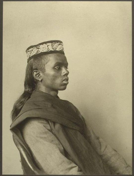 A Hindu boy. Portraits from Ellis Island, Augustus Sherman.