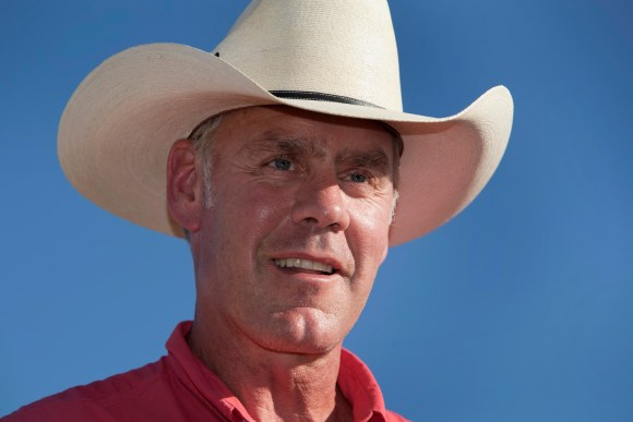 Zinke took $12,000 charter flight home in oil executive's plane, documents show