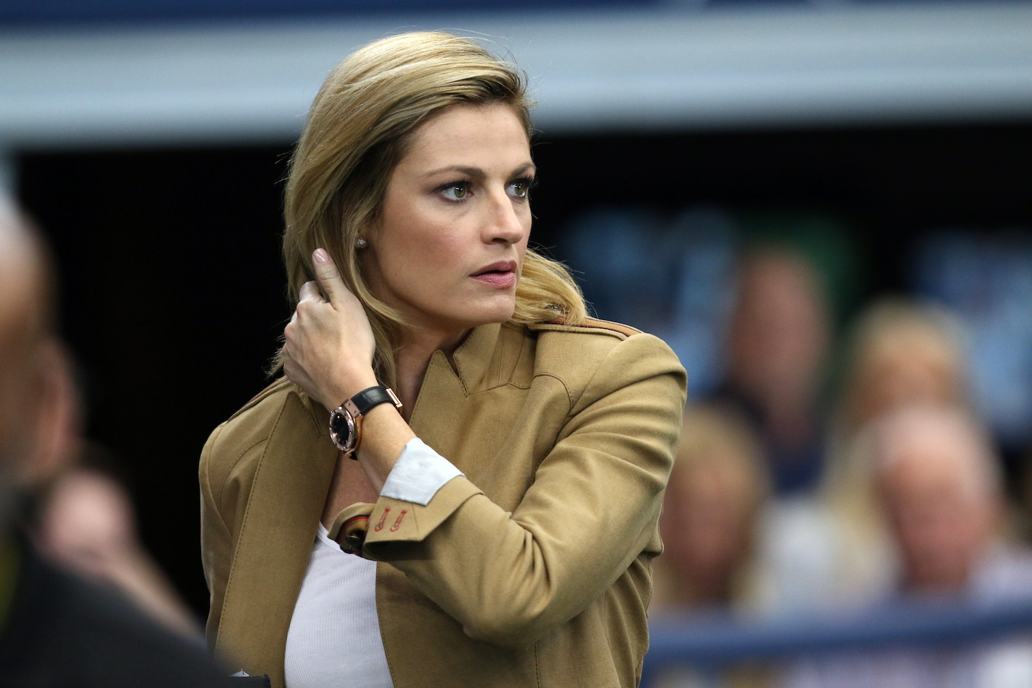 Erin Andrews resigns with Fox Sports but will no longer cover MLB  The Washington Post