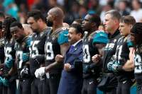 https://www.washingtonpost.com/news/sports/wp/2017/09/24/shahid-khan-the-jaguars-owner-who-stood-with-his-team-has-long-espoused-the-american-dream/?utm_term=.1f259eae6110