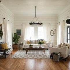 Living Room Colors Joanna Gaines English Country Decorating Ideas White Is The New Paint Color Trend For Rentals Washington Post Chip And Co Hosts Of Hgtv S Fixer Upper Used Walls To Great Effect In This Jeff Jones