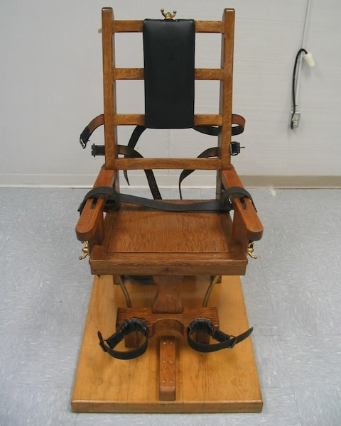 death by electric chair video kids study the ensures a quick and painless at greensville correction center in jarratt va virginia department of corrections via associated press