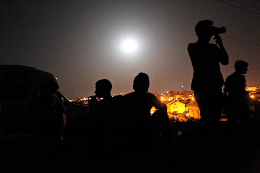 https://i0.wp.com/img.washingtonpost.com/rf/image_908w/2010-2019/WashingtonPost/2014/07/13/Health-Environment-Science/Images/Mideast_Israel_Palestinians_Supermoon-05080.jpg