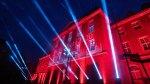 Tech :  Les bâtiments Herner brillent en rouge pendant trois heures  , avis