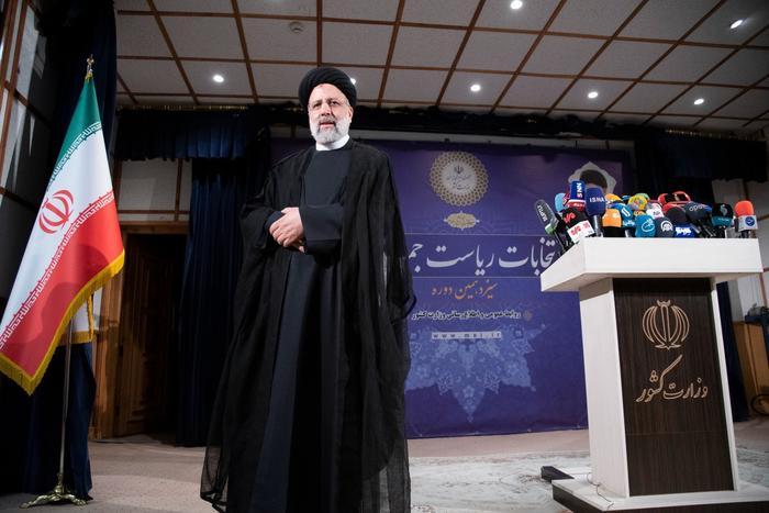 Ibrahim Raisi s'est inscrit comme candidat à l'élection présidentielle iranienne à Téhéran, le 15 mai 2021. Reuters