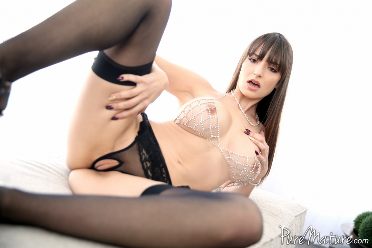 Pure Mature Lexi Luna  Hungry And Waiting  Web Starlets