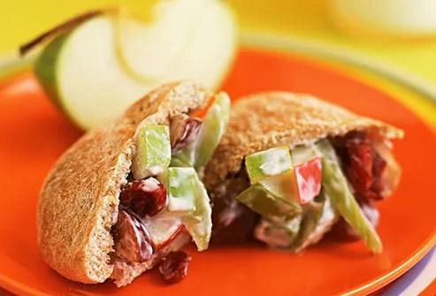 grape and apple sandwich in wholegrain pita