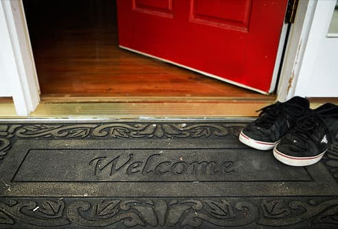 https://i0.wp.com/img.webmd.com/dtmcms/live/webmd/consumer_assets/site_images/articles/health_tools/allergy_relief_slideshow/webmd_photo_of_rubber_welcome_mat.jpg