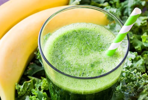 smoothie with kale and banana