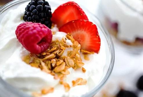 Greek yogurt berries