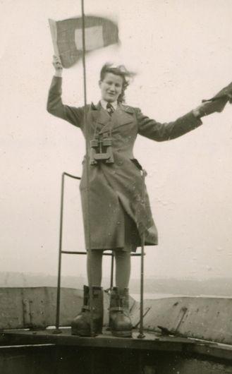 FRAU  Females Reenacting Axis Units  Helferinnen