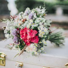 3 Hochzeitstag Lederne Hochzeit  Bedeutung Geschenke Ideen