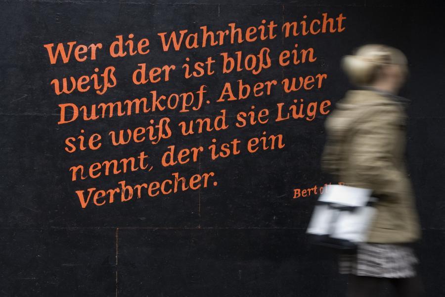 https://i0.wp.com/img.welt.de/img/Zitate/crop102010585/4126936953-ci3x2l-w900/hm-20101230-Zitat-Brecht-DW-Berlin-Berlin.jpg