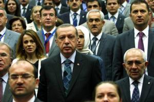 <br /> Der türkische Ministerpräsident Recep Tayyip Erdogan bei einem Parteitag der AKP. Sind seine Worte – wie so oft – nur Säbelrasseln?<br />