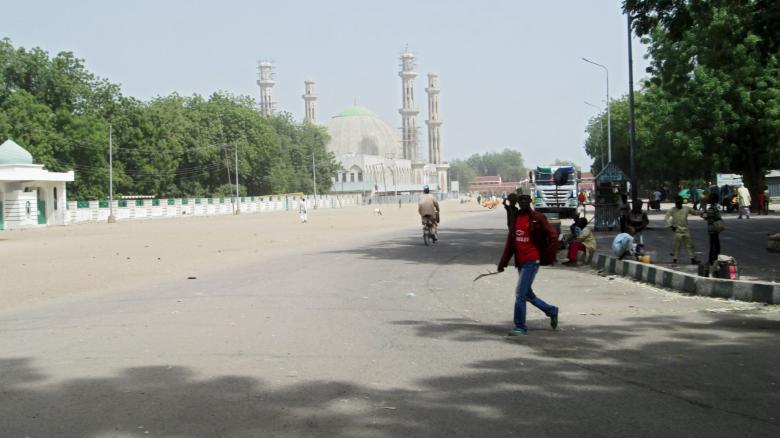 Die menschenleere Straße am ersten Weihnachtsfeiertag in der Großstadt Maiduguri