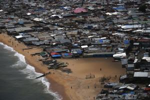 Das Armenviertel West Point in Liberia