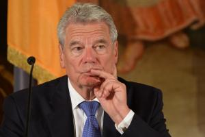 <br /><br /><br /><br /><br /><br /><br /><br /><br /><br /><br /><br /><br /><br /><br /> Bundespräsident Joachim Gauck nachdenklich: Die Biographie enthüllt viele negative Seiten des Staatsmannes<br /><br /><br /><br /><br /><br /><br /><br /><br /><br /><br /><br /><br /><br /><br />