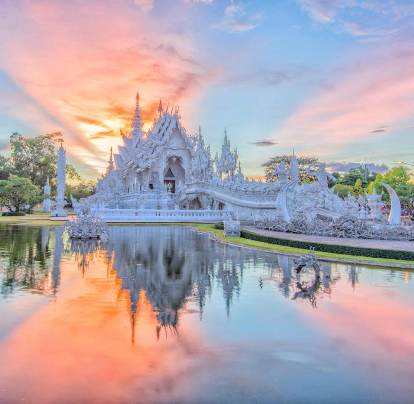 Thailand: the famous white temple Wat Rong Khun in Chiang Rai